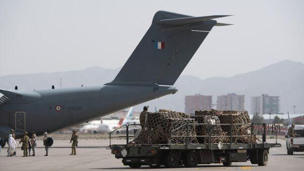 Evakuatsiya v aeroportu Kabula - Sputnik Oʻzbekiston