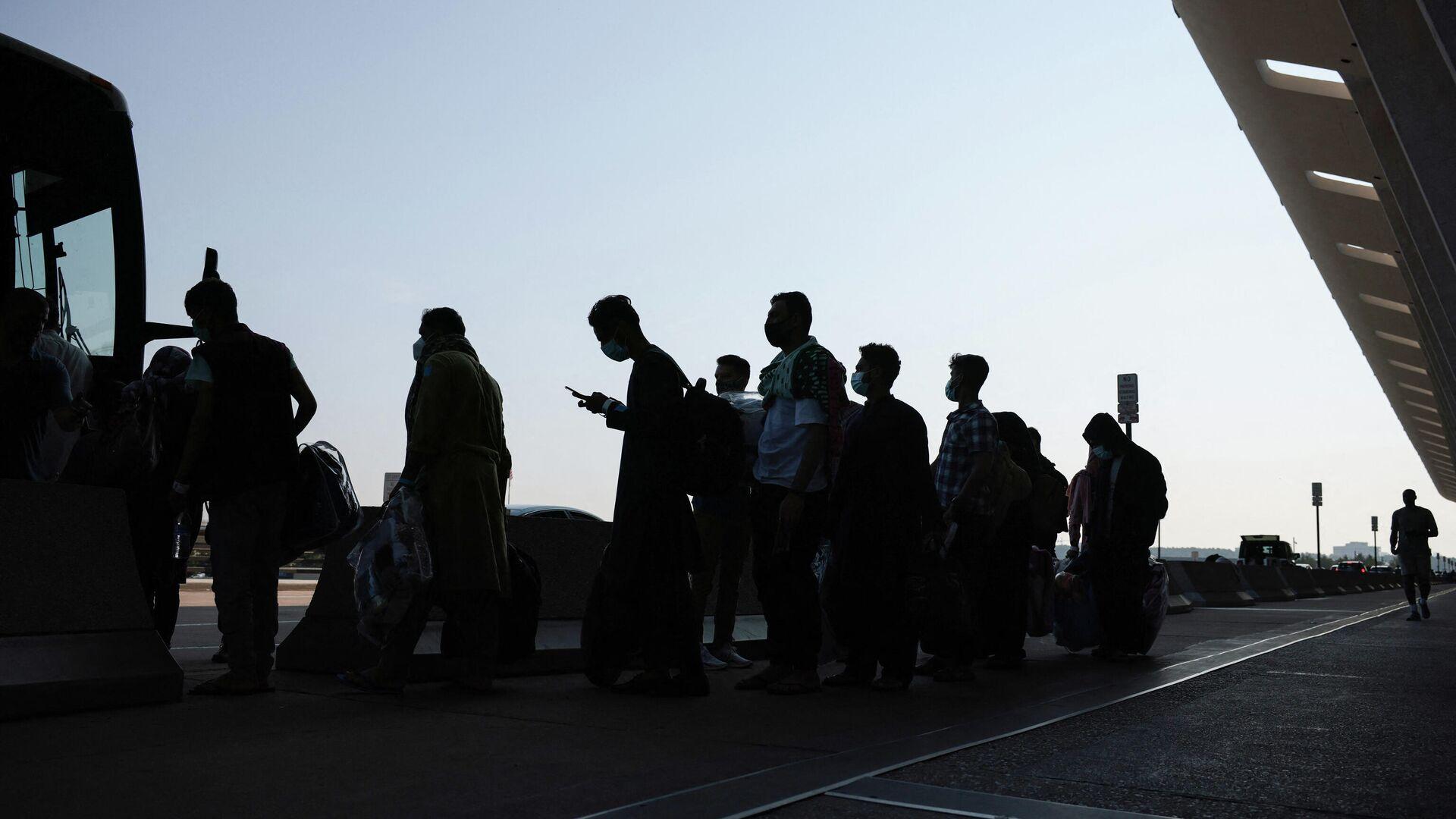 Evakuatsiya v aeroportu Kabula - Sputnik Oʻzbekiston, 1920, 14.09.2021
