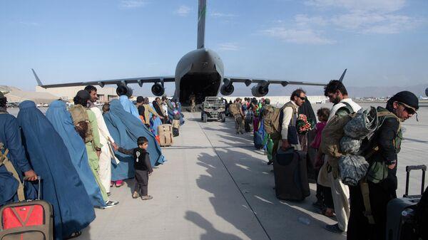 Evakuatsiya iz aeroporta Kabula - Sputnik Oʻzbekiston