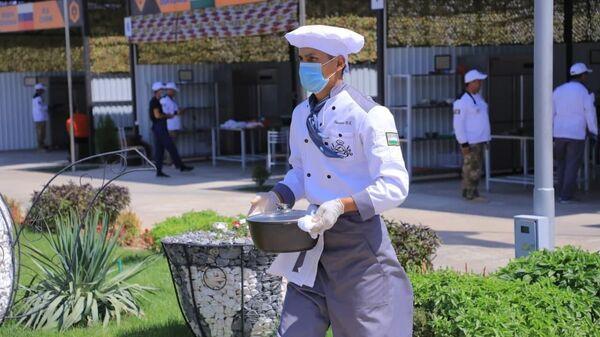 Узбекские военные повара заняли первое место в промежуточном этапе соревнований Полевая кухня.  - Sputnik Ўзбекистон