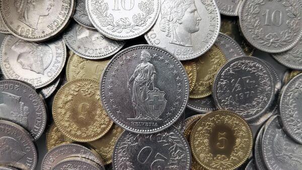 Швейцарские франки - Sputnik Ўзбекистон