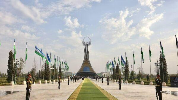 Монумент Независимости в Ташкенте - Sputnik Узбекистан