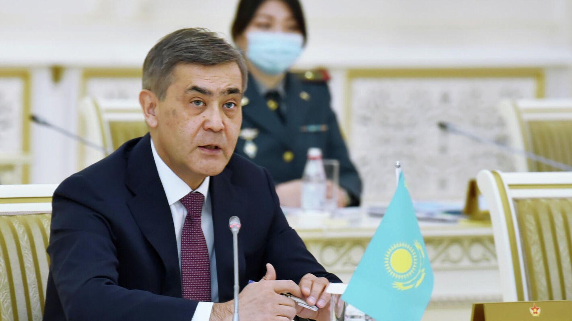 Ministr oboronы Kazaxstana Nurlan Yermekbayev - Sputnik Oʻzbekiston, 1920, 31.08.2021