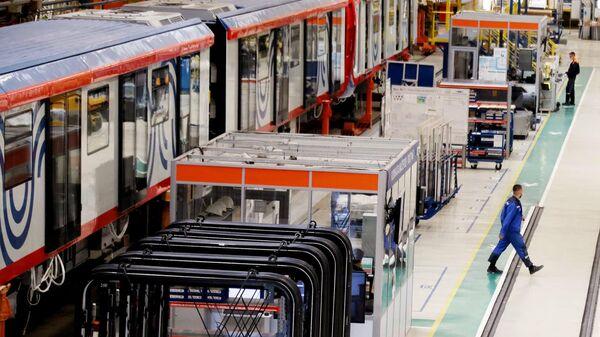 Отправка первой партии вагонов метро в Узбекистан - Sputnik Ўзбекистон