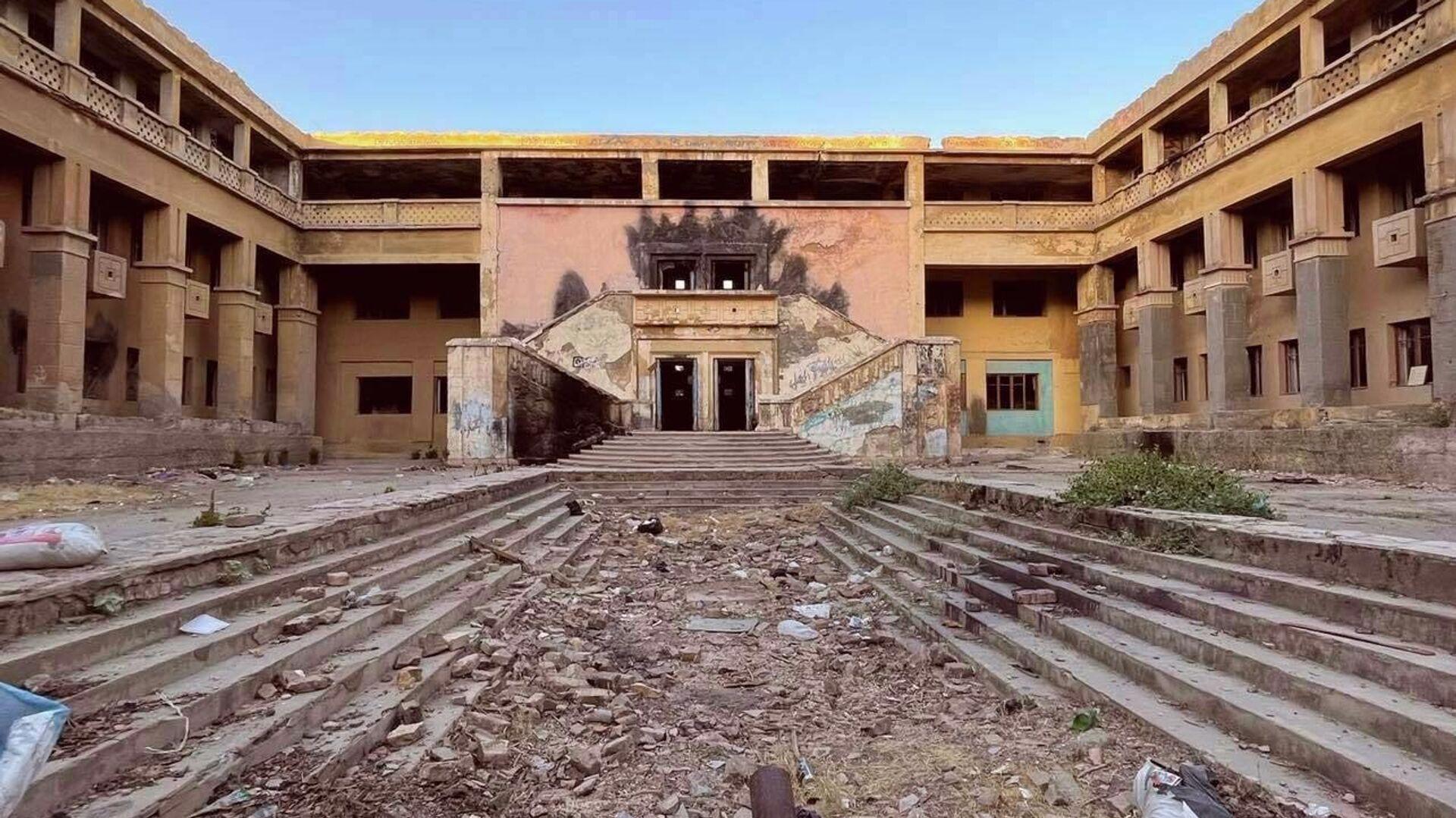 Бывшая гостиница Чирчикстроя, спроектированная в 1935-1936 годах - Sputnik Узбекистан, 1920, 04.09.2021