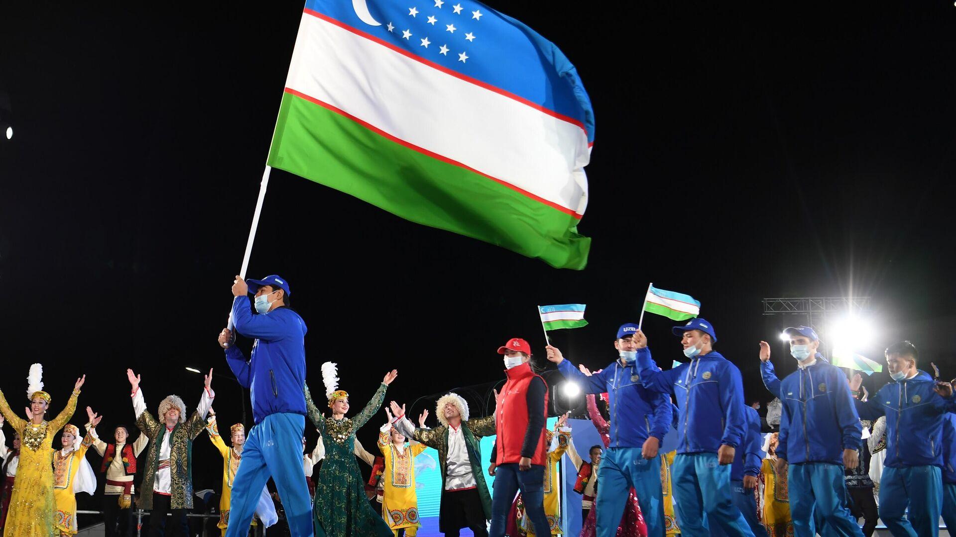 Predstaviteli komandы Uzbekistana na tseremoniya otkrыtiya I Igr SNG - Sputnik Oʻzbekiston, 1920, 06.09.2021