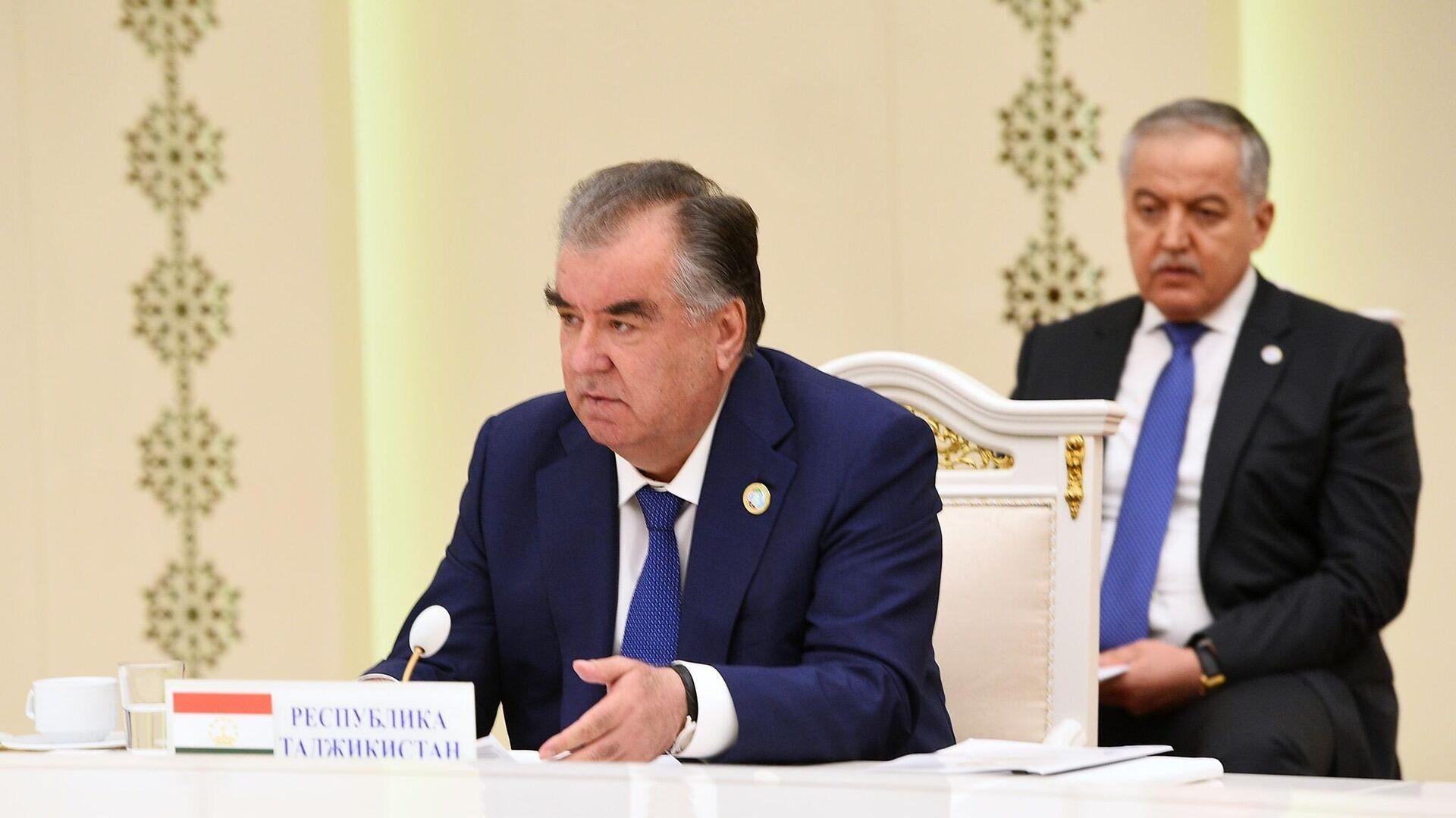 Prezident Tadjikistana Emomali Raxmon - Sputnik Oʻzbekiston, 1920, 08.09.2021
