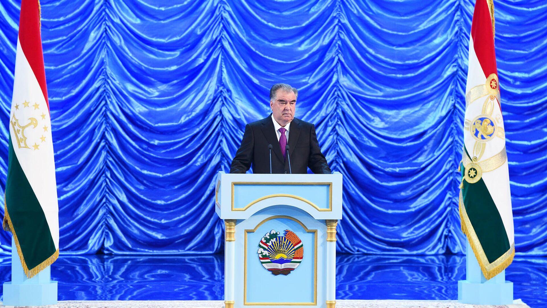Президент Таджикистана Эмомали Рахмон - Sputnik Ўзбекистон, 1920, 17.09.2021