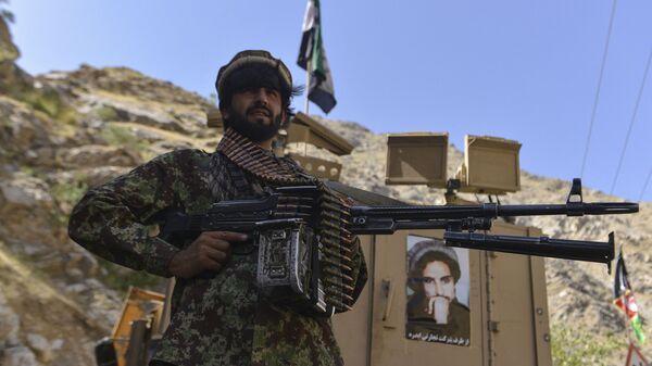 Afganskoye dvijeniye soprotivleniya vo patrulirovaniya v provintsii Pandjsher, Afganistan - Sputnik Oʻzbekiston