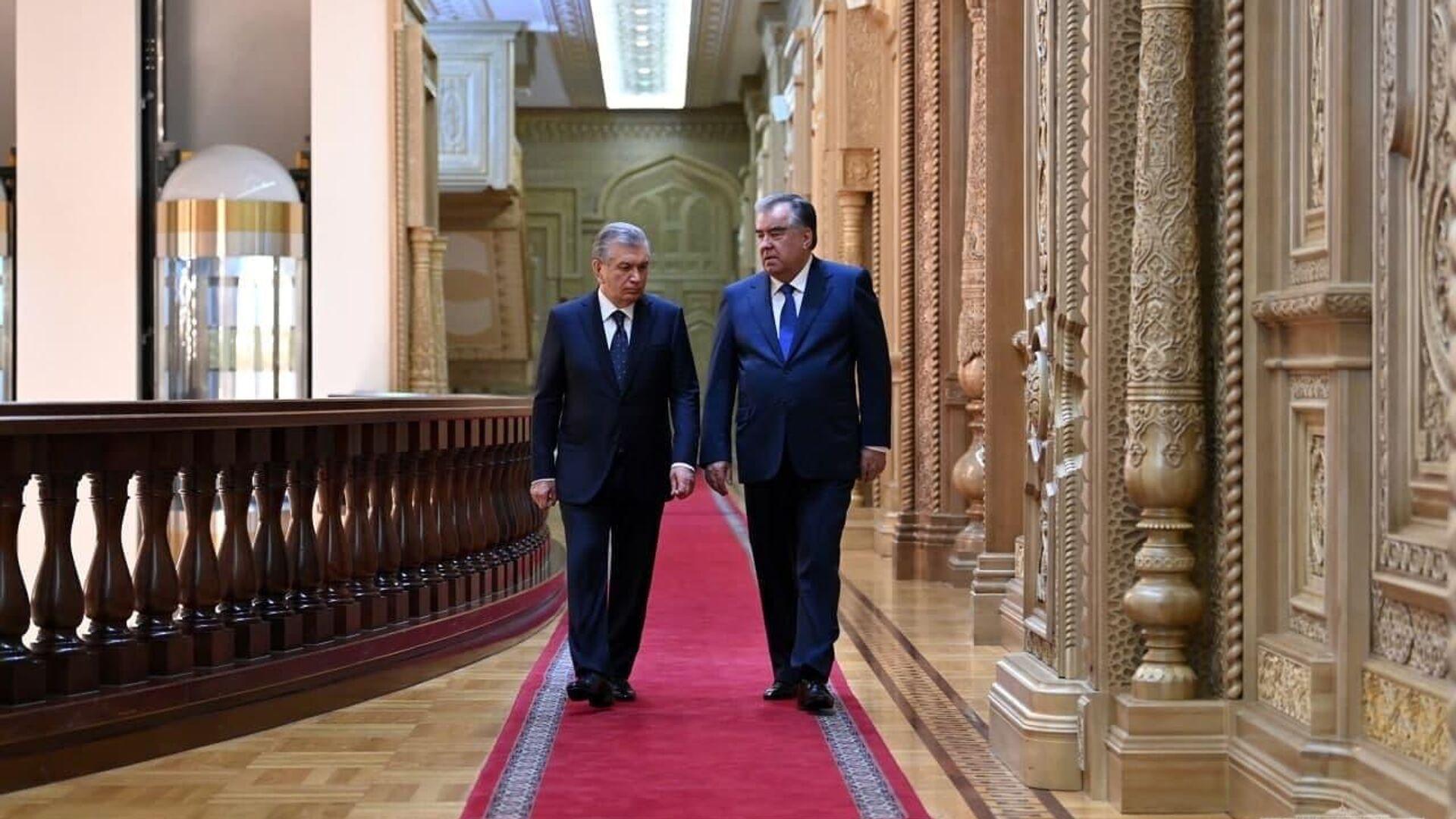 Лидеры Узбекистана и Таджикистана провели встречу в Душанбе - Sputnik Ўзбекистон, 1920, 16.09.2021