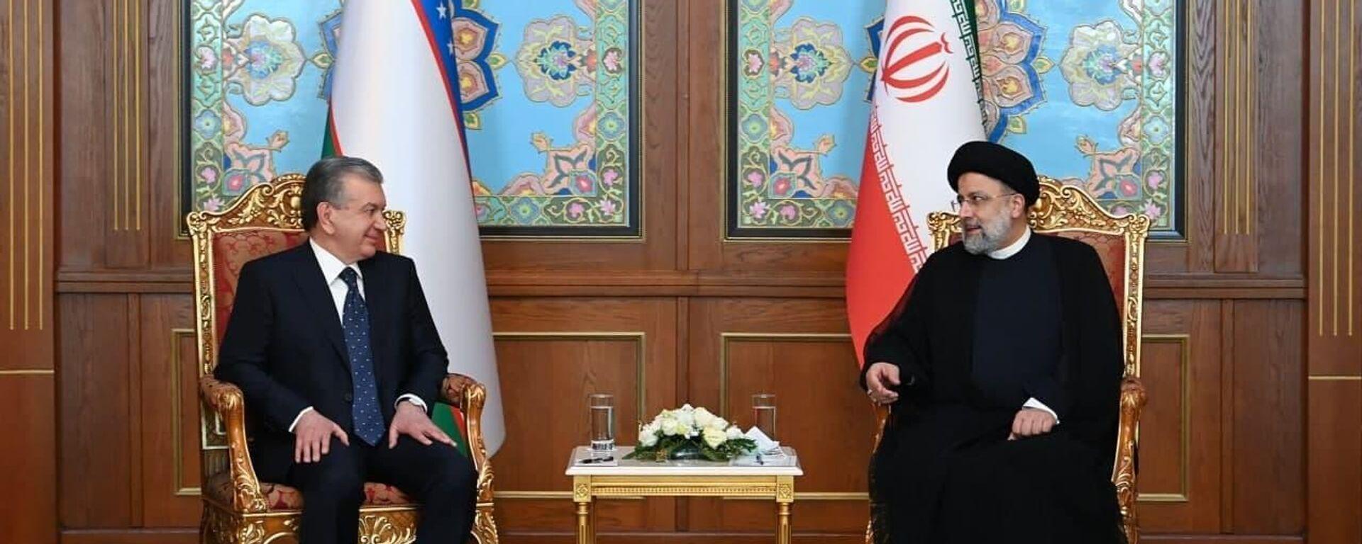 Шавкат Мирзиёев в Душанбе провел встречу с президентом Ирана Ибрахимом Раиси - Sputnik Узбекистан, 1920, 16.09.2021