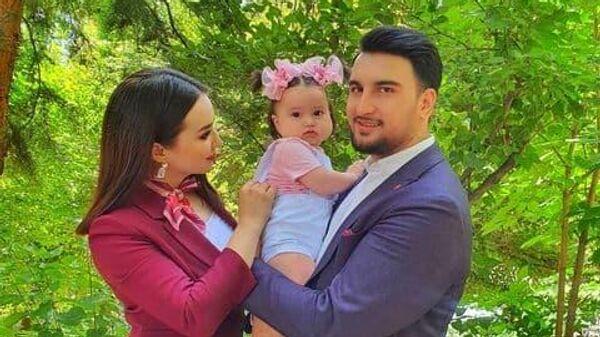 Шахзода Мухаммедова с семьей - Sputnik Узбекистан