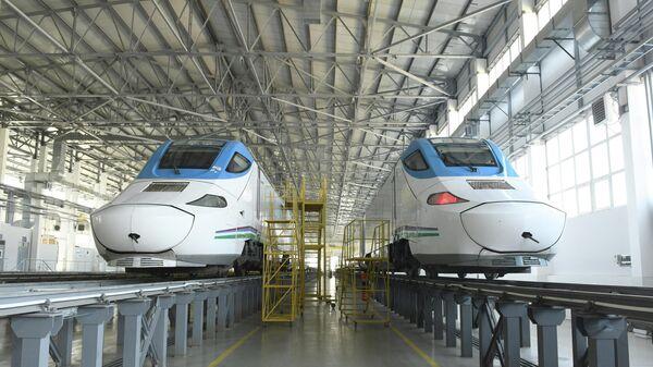 Узбекистан закупил новый поезд Afrosiyob - Sputnik Узбекистан