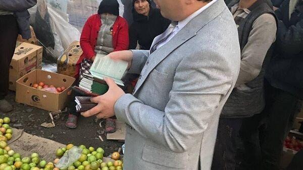 В Самаре сотрудники агентства внешней миграции помогли узбекистанцам, чьи паспорта забрал работодатель - Sputnik Ўзбекистон