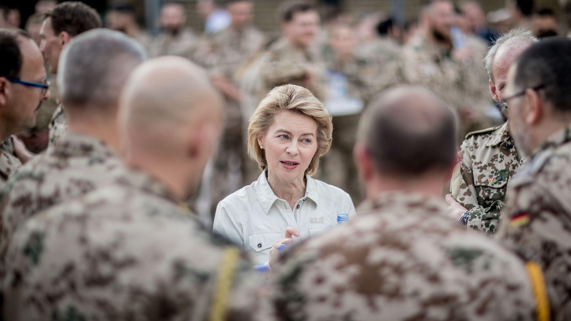 Министр обороны Германии Урсула фон дер Ляйен, 2018 год  - Sputnik Узбекистан, 1920, 18.09.2021