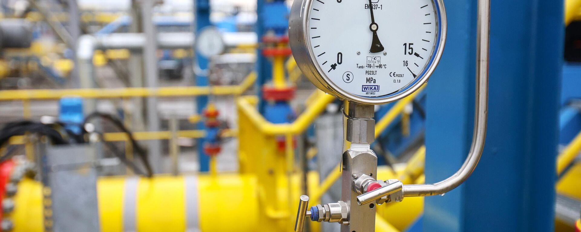 Показатель давления в измерительных линиях сырьевого газа на Амурском ГПЗ - Sputnik Узбекистан, 1920, 20.09.2021