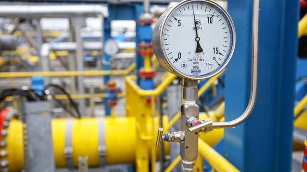 Показатель давления в измерительных линиях сырьевого газа на Амурском ГПЗ - Sputnik Узбекистан