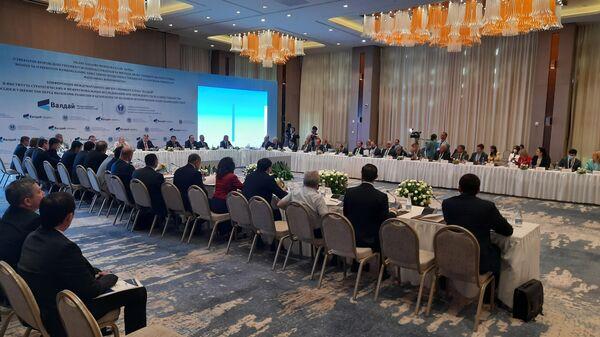 Конференция Валдайского клуба Россия и Узбекистан перед вызовами развития и безопасности на новом историческом этапе взаимодействия в Ташкенте - Sputnik Ўзбекистон