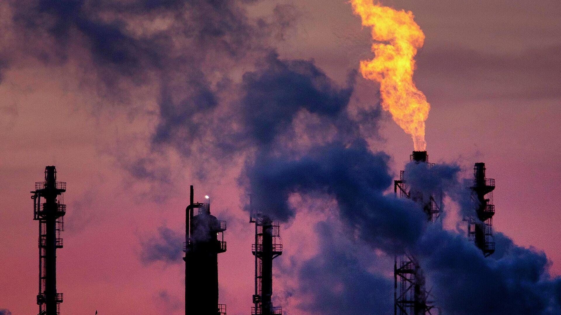 Химический комбинат компании BASF в Людвигсхафене, Германия - Sputnik Узбекистан, 1920, 21.09.2021