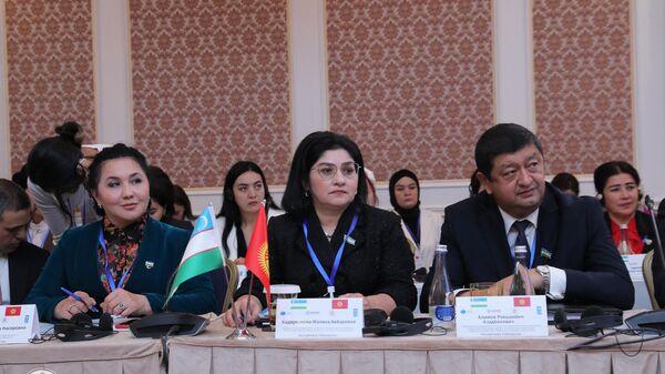 В Бишкеке прошел узбекско-кыргызский форум бизнесвумен - Sputnik Узбекистан