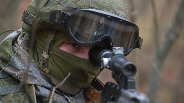 Учения подразделения разведки Западного военного округа - Sputnik Узбекистан