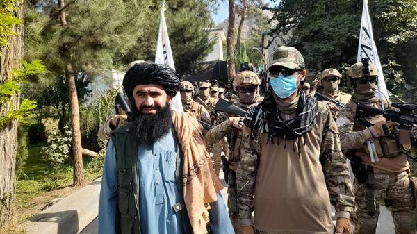 Парад специального отряда талибов под названием Мансури в провинции Бадахшан - Sputnik Узбекистан