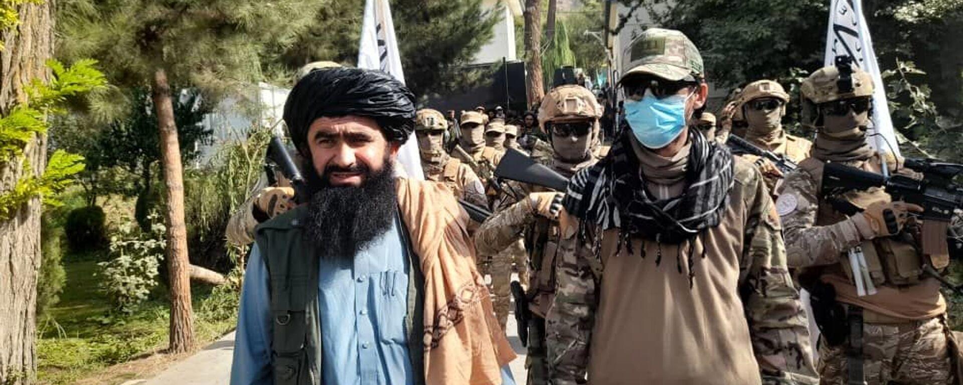 Парад специального отряда талибов под названием Мансури в провинции Бадахшан - Sputnik Узбекистан, 1920, 24.09.2021
