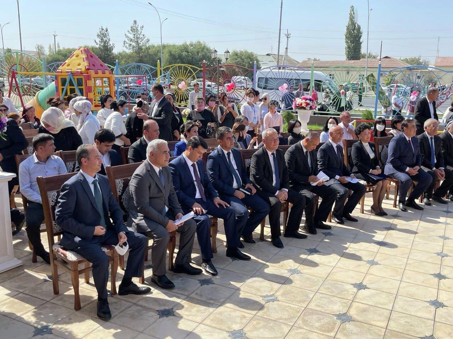 Церемония открытия детского сада Капалак в Риштанском районе Ферганской области  - Sputnik Ўзбекистон, 1920, 26.09.2021