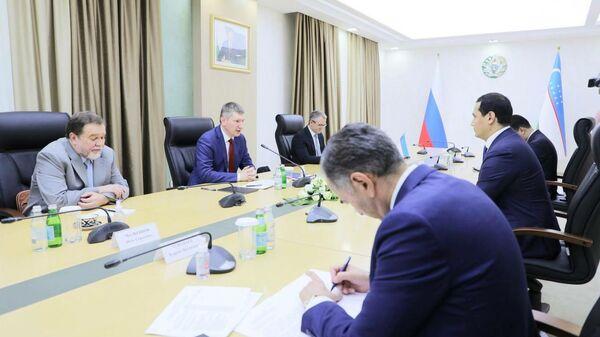 В Ташкенте состоялась встреча сопредседателей Узбекско-Российской Межправительственной комиссии (МПК) по экономическому сотрудничеству - Sputnik Ўзбекистон
