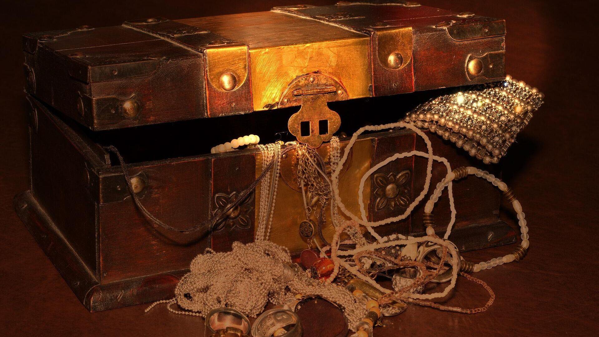 Сундук с сокровищами, иллюстративное фото - Sputnik Узбекистан, 1920, 27.09.2021