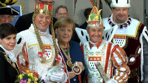 Меркель уходит в отставку: вспомним курьезы Железной леди - Sputnik Узбекистан