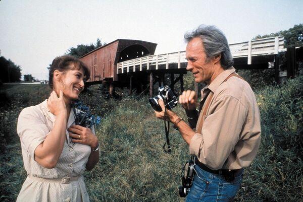 """Съемки фильма """"Мосты округа Мэдисон"""" проходили в 1994 году. Основной локацией стал штат Айова, в частности города Уинтерсет и Даллас. - Sputnik Узбекистан"""