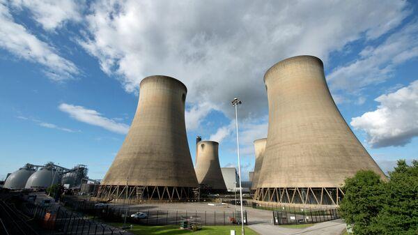 Угольная электростанция Drax в северной Англии - Sputnik Узбекистан