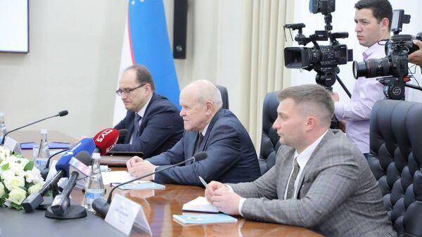 Делегация долгосрочных наблюдателей Миссии СНГ прибыла в Ташкент - Sputnik Узбекистан