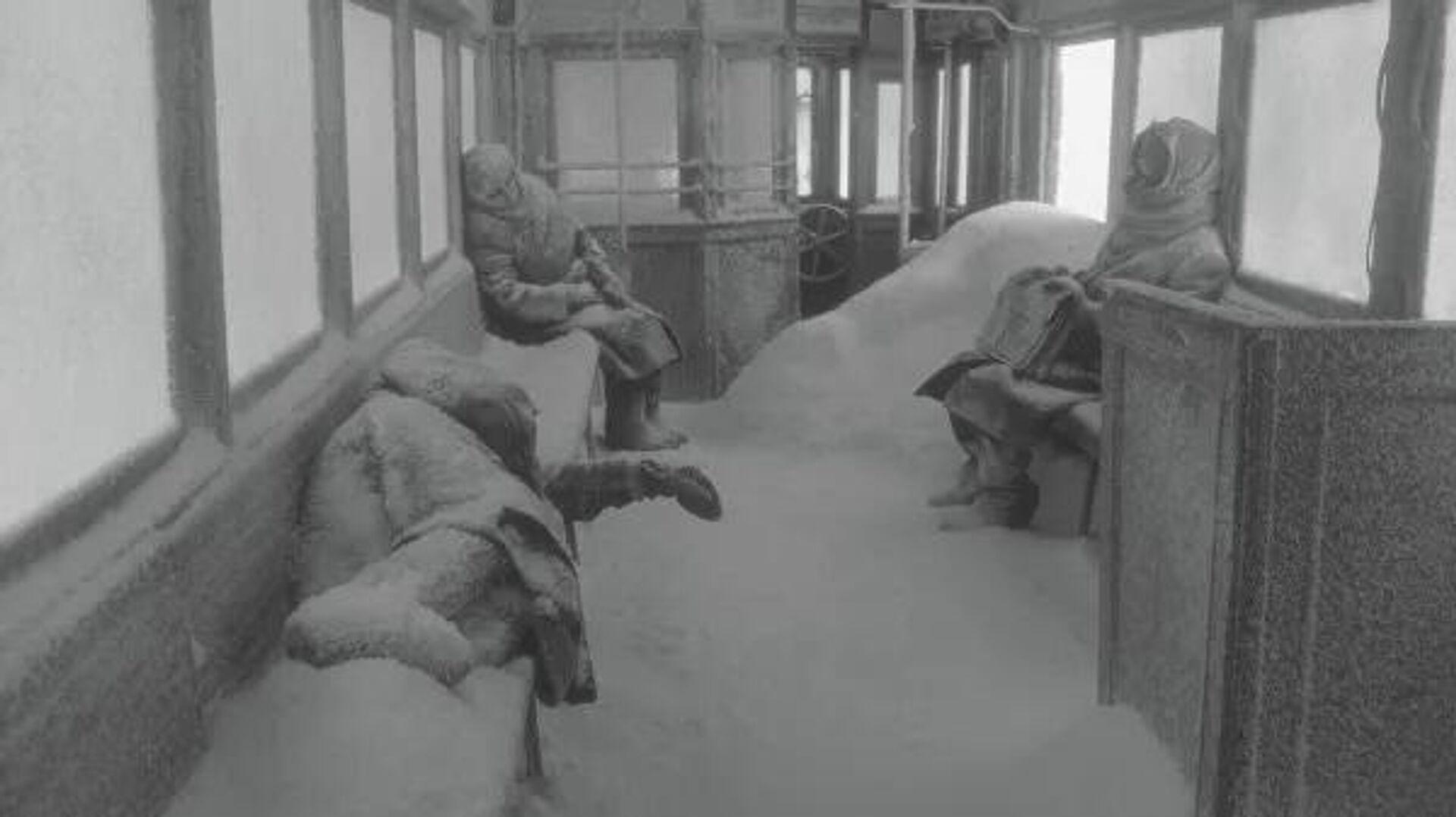 Кадр из фильма Блокадный дневник  - Sputnik Узбекистан, 1920, 30.09.2021