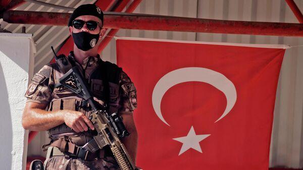 Турецкий военный - Sputnik Узбекистан