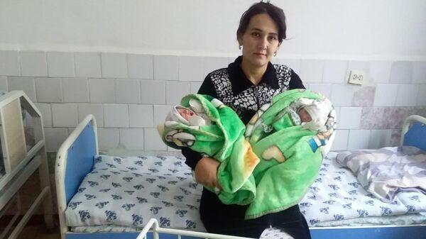 В Карши появились на свет мальчики-тройняшки - Sputnik Узбекистан