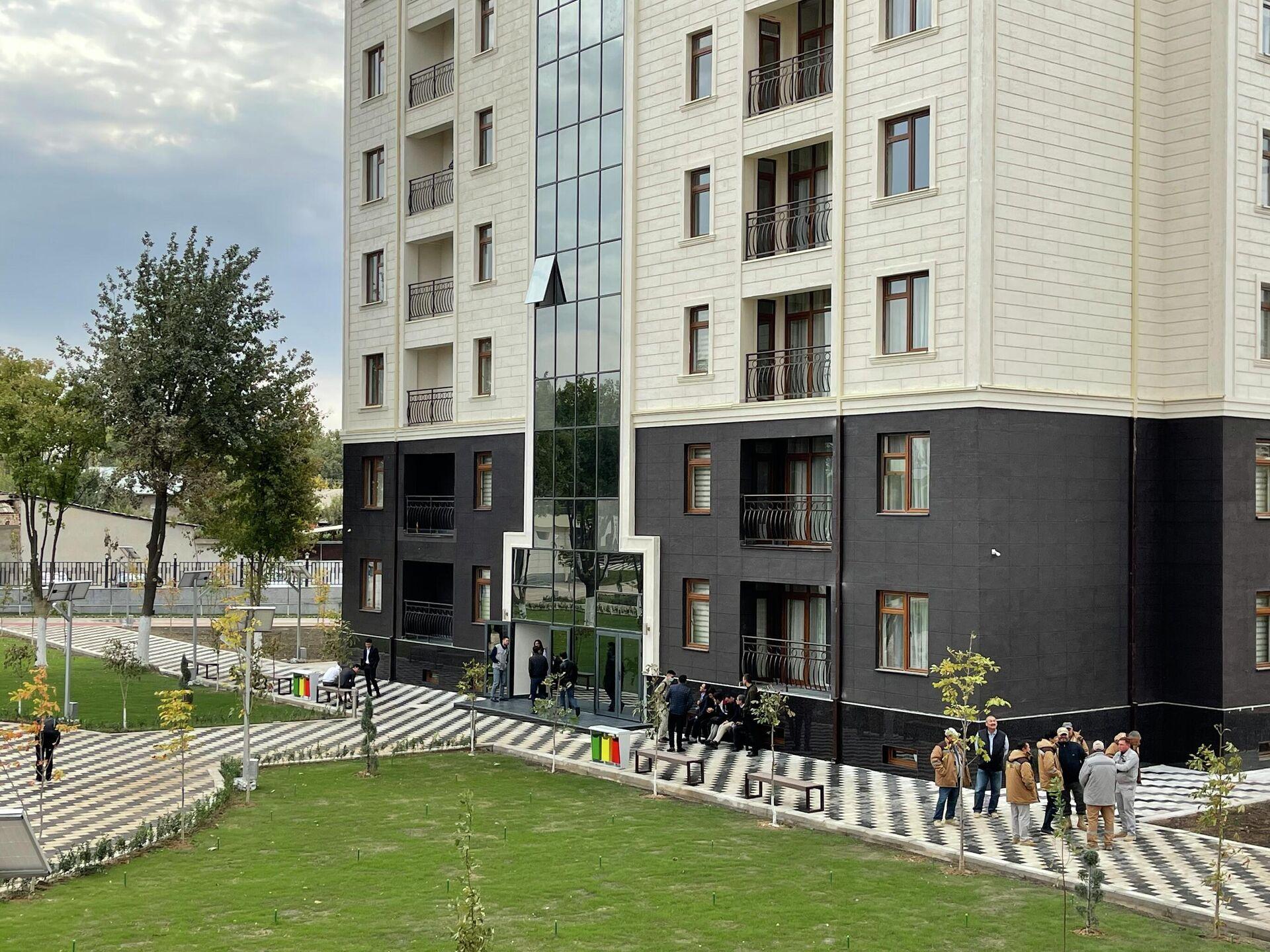 Для студентов ташкентского филиала МИФИ построили общежитие, а для иностранных преподавателей гостиницу квартирного типа - Sputnik Ўзбекистон, 1920, 03.10.2021