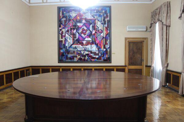 Западная сторона музея была посвящена Востоку и оформлена народными мастерами. Здесь работали лучшие туркестанские ганчкоры и художники, занимающиеся внутренней отделкой. - Sputnik Узбекистан