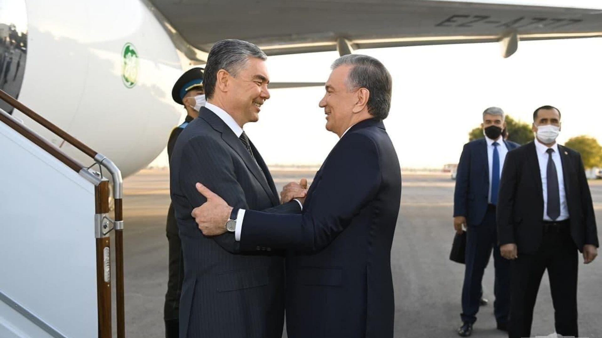 Президент Туркменистана Гурбангулы Бердымухамедов прибыл в Узбекистан с официальным визитом. - Sputnik Ўзбекистон, 1920, 04.10.2021