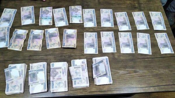 Фальшивые банкноты - Sputnik Узбекистан