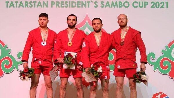 Узбекистанские самбисты завоевали три медали на международном турнире в Казани - Sputnik Узбекистан