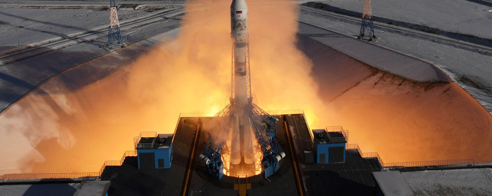 Старт ракеты-носителя Союз-2.1а с космическими аппаратами (КА) дистанционного зондирования Земли Канопус-В №3 и №4, и с 9 космическими коммерческими аппаратами с космодрома Восточный - Sputnik Ўзбекистон, 1920, 08.10.2021