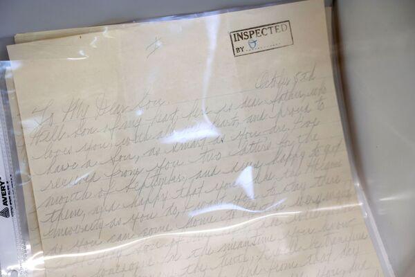 Личное письмо сыну Сонни, которое Аль Капоне написал в тюрьме Алькатрас. Родственники гангстера считают это самым ценным лотом.   - Sputnik Узбекистан