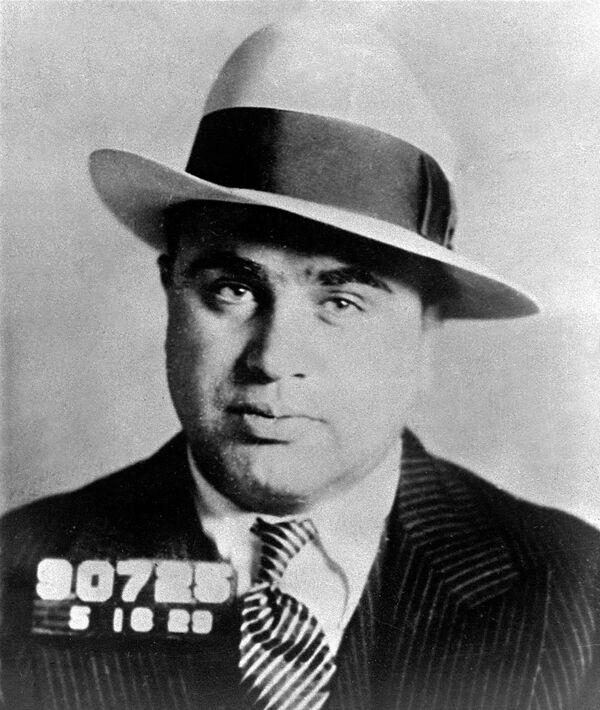 Аль Капоне является одним из отцов-основателей организованной преступности США эпохи Сухого закона и Великой депрессии.  - Sputnik Узбекистан