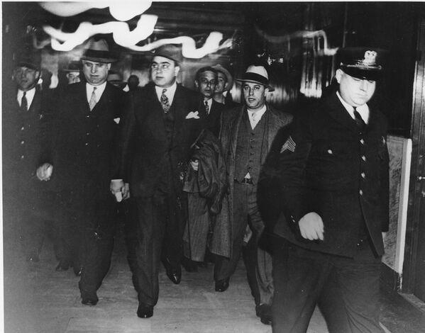 Итальянский мафиози действовал в 1920—1930-х годах на территории Чикаго. - Sputnik Узбекистан