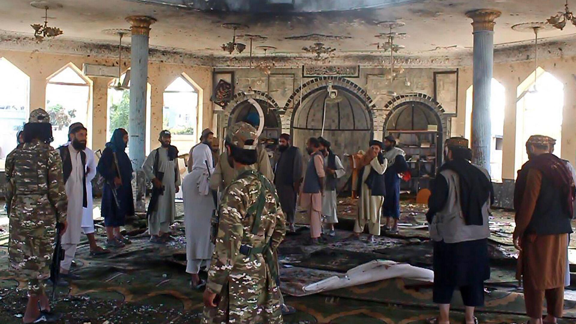Теракт во время пятничной молитвы в афганском городе Кундуз - Sputnik Узбекистан, 1920, 09.10.2021
