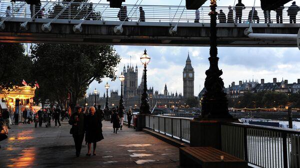 Золотой юбилейный мост в Лондоне - Sputnik Узбекистан