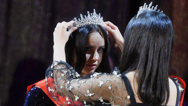 Pobeditelnitsa konkursa Miss Federatsiya migrantov Rossii 2021 Rushana Karimova - Sputnik Oʻzbekiston