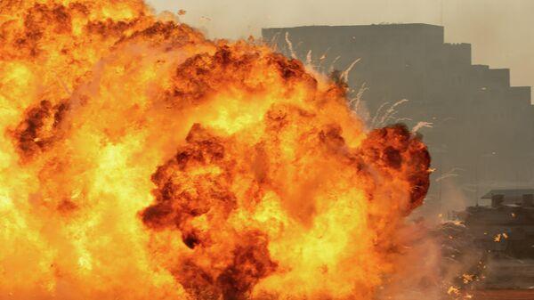 Взрыв автомобиля на Ближнем Востоке - Sputnik Узбекистан